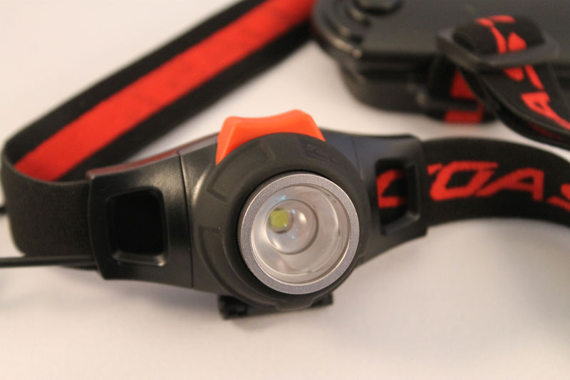 Adjustable beam focus and on off button photo of Coast HL7 Pure Beam Focus Headlamp